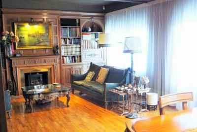 Spacious apartment with a big terrace in a very prestigious district of Barcelona